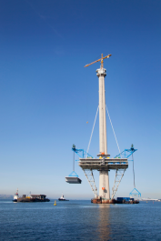 North Tower deck lift, Queensferry Crossing, September 2015